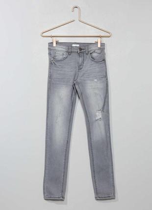 Стрейчевые джинсы slim на девочку французского бренда kiabi ев...
