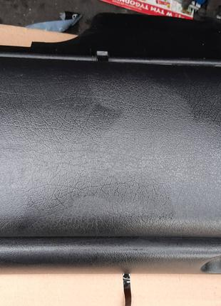Бардачок Гольф 3 нижний б/у под airbag