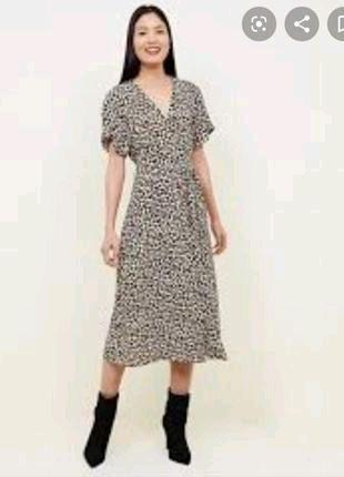 Платье миди на запах с леопардовым принтом New look