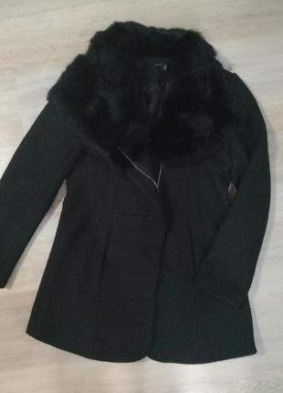 Шерстяное демисезонное пальто с мехом