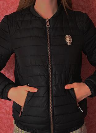 Чёрная куртка бомпер