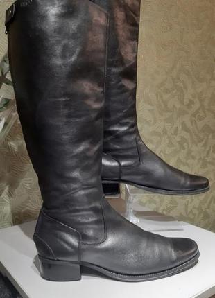 Кожаные демисезонные женские сапоги на маленьком каблуке capri...
