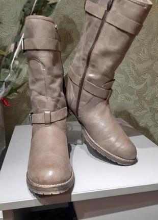 Tamaris продам высокие женские сапоги демисезонные 39р