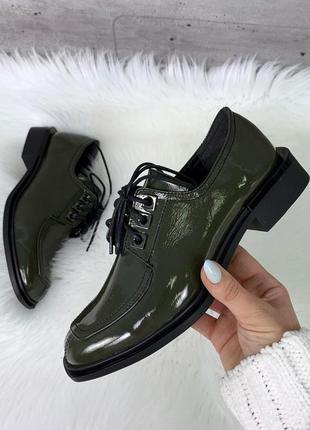 Лаковые туфли на низком каблуке,закрытые лакированные туфли на...
