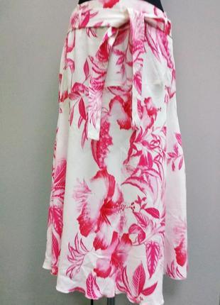 Spengler летняя  белая юбка с розовым принтом.