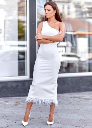 Вечернее белое платье на одно плечо