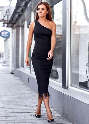Вечернее черное платье на одно плечо