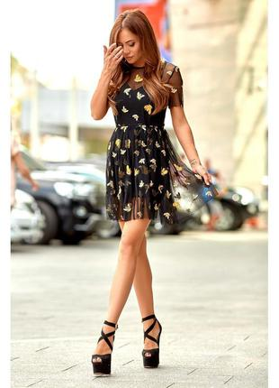Платье из фатина с золотыми пчелками