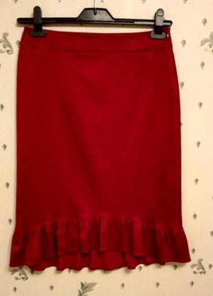 .красная юбка с оборкой гранат р 12 италия миди