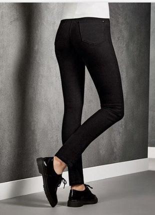 Джинсы брюки скинни р.евро 38 m черные esmara германия