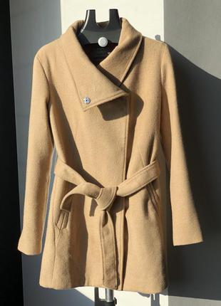 Женское пальто от bershka размер l