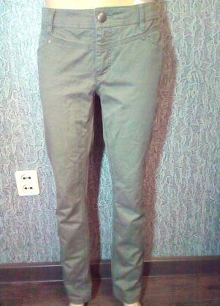 Мужские брюки штаны к низу зауженные. street one.