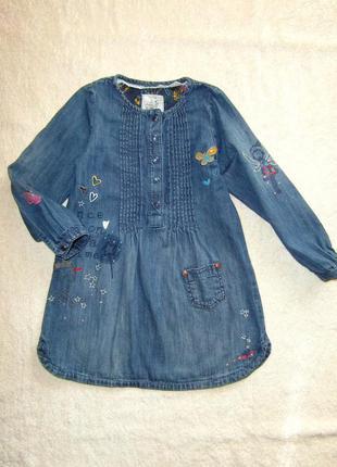 Джинсовое платье next на 3-4 года с апликацией , вышивкой и ст...