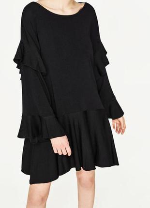 Плаття з рюшами zara