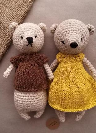 Мини мишки мальчик и девочка, вязаные игрушки.