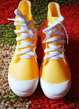 Яркие резиновые ботинки/резиновые кеды/супер цена