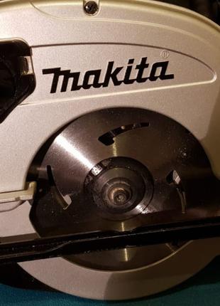Циркулярна дискова пила паркетка Makita 5704R з Англії