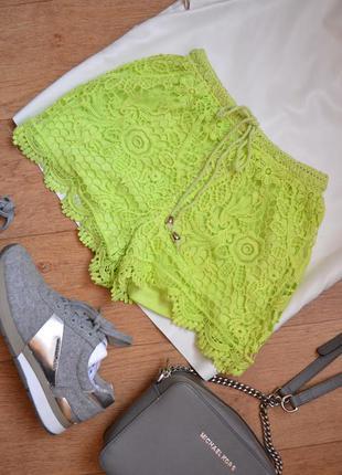 Яркие вязанные кружевные шорты салатовые с высокой посадкой на...
