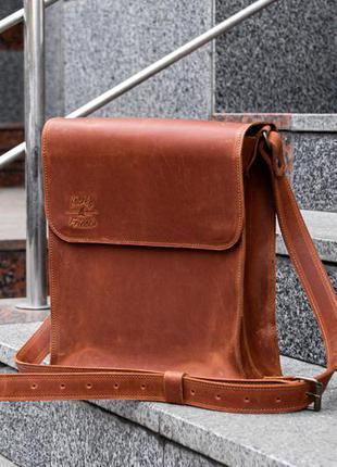 Мужская кожаная сумка через плечо. коричневая почтальонка чере...