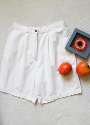 Белые шорты бермуды от marks&spencer, размер м-l