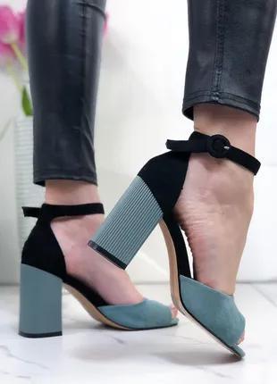 Женские босоножки с открытым носком