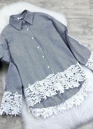 Рубашка в полоску с отделкой из кружева