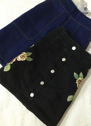 Юбка джинсовая графит с вышивкой topshop размер 10