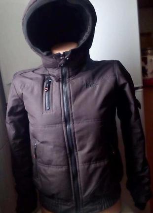 Стильная куртка на мальчика lee cooper. 6 - 7 лет