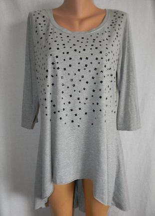Трикотажная блуза туника с украшением оригинального кроя
