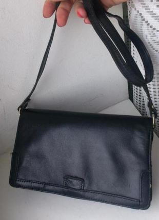 Кожаная сумочка. корея.