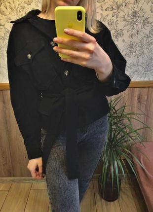 Крутая джинсовая куртка оверсайз/джинсовка с поясом