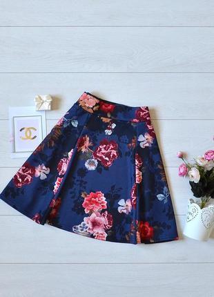 Красива юбка в квіти boohoo