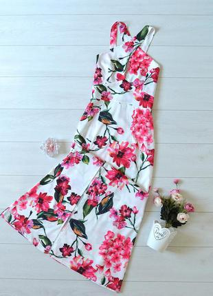 Дуже красиве плаття в квіти