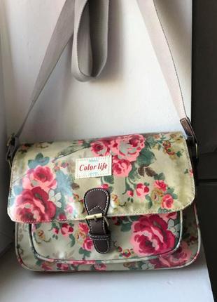 Красивая сумка с длинным ремнем