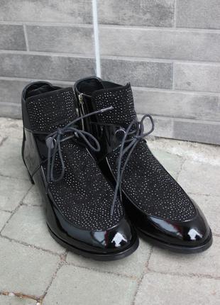 Стильные ботинки комбинирование с камнями svarovsky