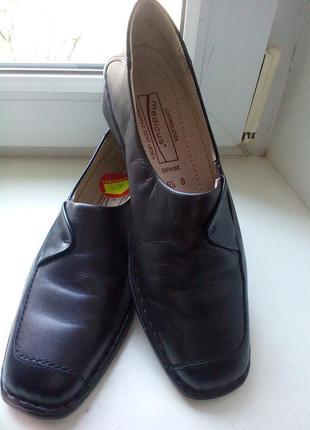 Кожаные туфли medicus. новые. 39р.