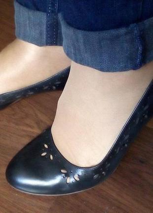 Кожаные туфли clarks. 38р.