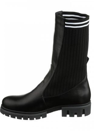 Кожаные женские демисезонные черные сапоги ботинки с трикотаже...