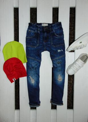 Стиляжні джинсулі з надписами denim ріст 128
