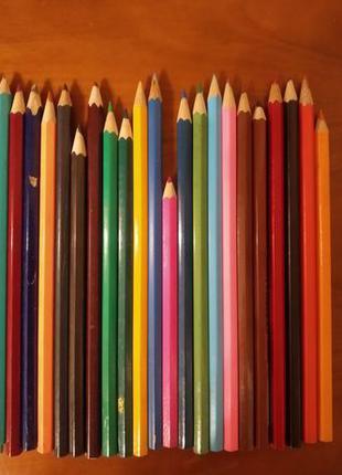 Карандаши цветные + пенал 60 штук б/у детское творчество для р...