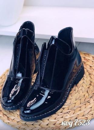 Лаковые ботинки на низком каблуке,чёрные лакированные ботинки ...