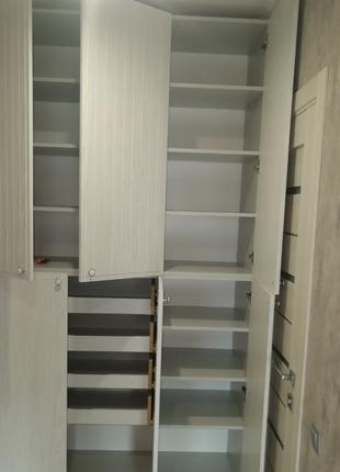 Собираем и устанавливаем мебель