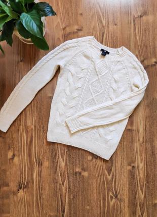 Базовый белый женский свитер от H&M