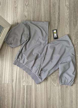 Блуза укороченная  на резинке