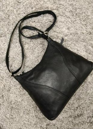 Практичная кожаная сумка на плечо rowallan