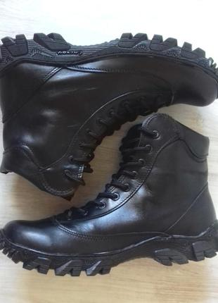 Новые ботинки, натуральная кожа.