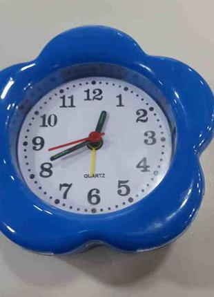 Часы-будильник Кварцевый механизм