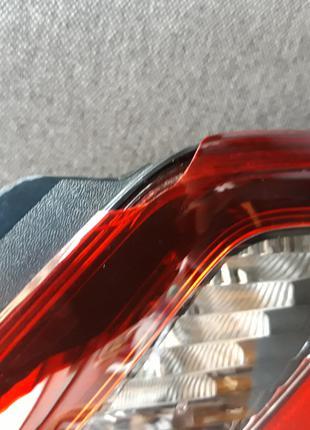 Задний правый фонарь