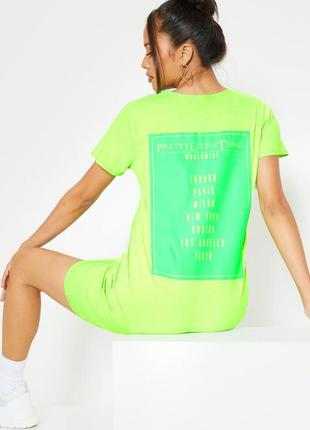 Prettylittlething. товар из англии. платье футболка с неоновым...