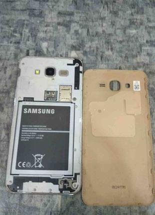 Смартфон Samsung Galaxy J7 SM-J700H/DS